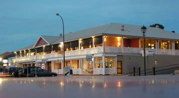 Seacliff Beach Hotel - New South Wales Tourism