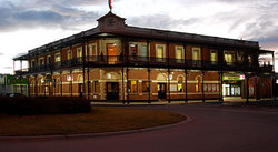 The Grand Terminus Hotel - New South Wales Tourism