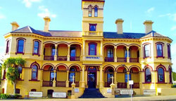 The Queenscliff Historic Royal Hotel - New South Wales Tourism