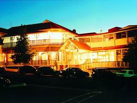Loxton Community Hotel Motel - New South Wales Tourism