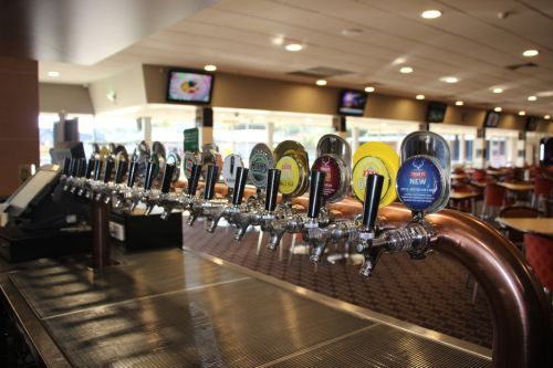 Ettalong Memorial Bowling Club - New South Wales Tourism