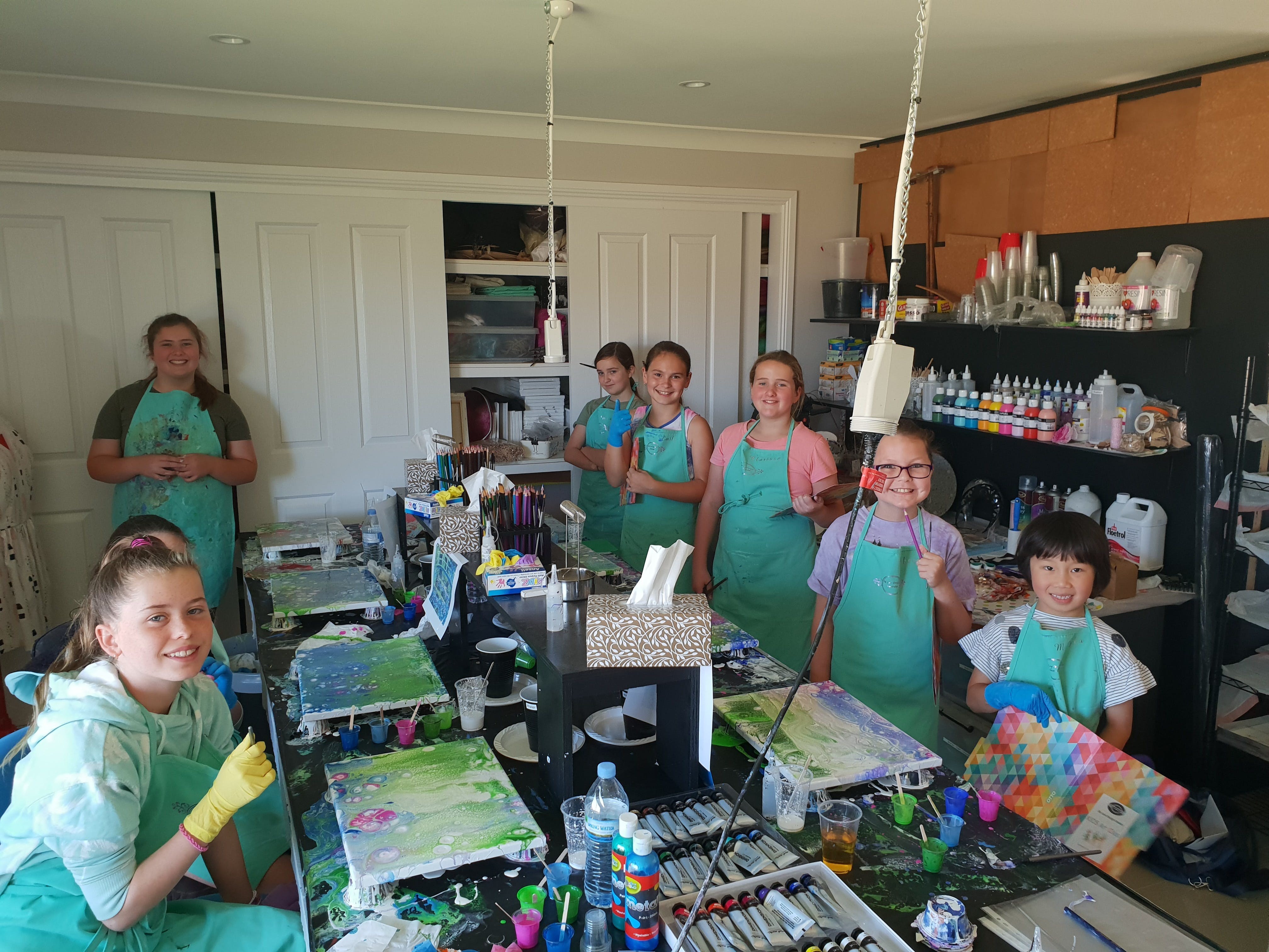 School holidays - Kids art class - Painting - New South Wales Tourism