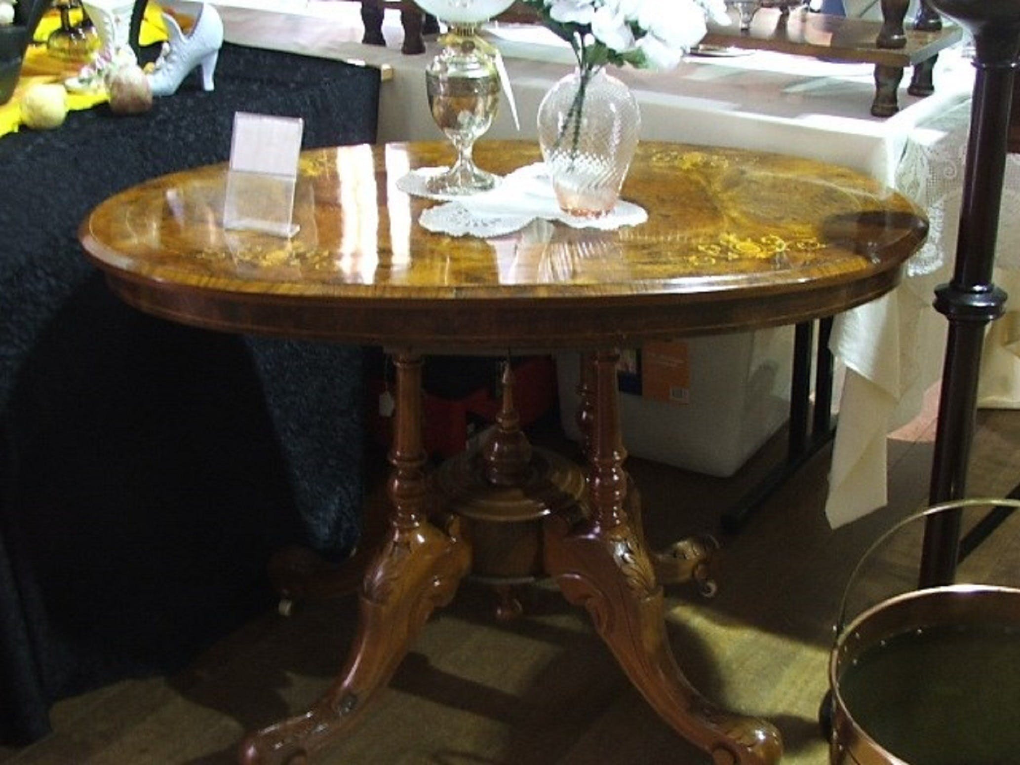 Berry Antiques and Collectables Fair - New South Wales Tourism