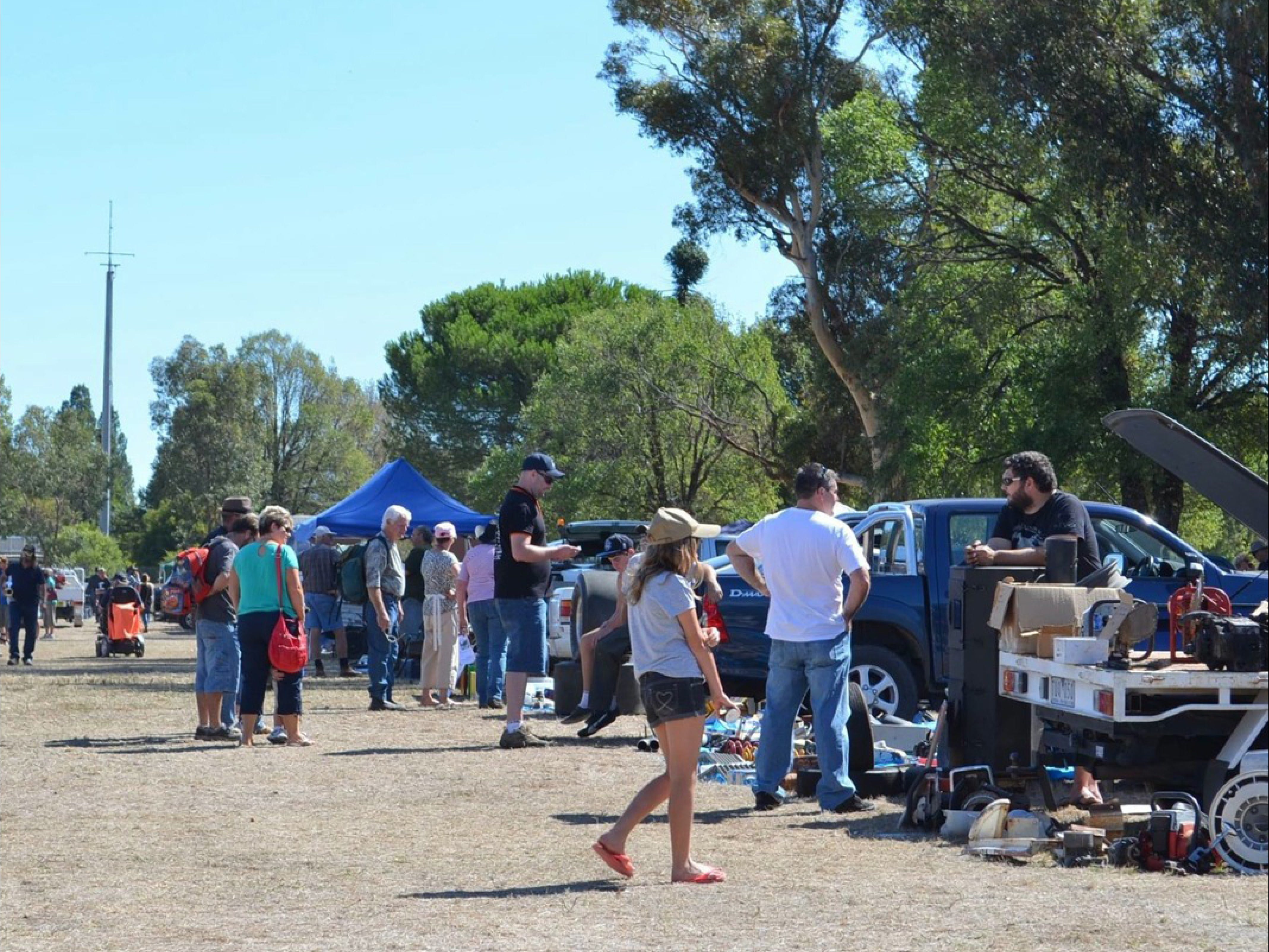 Jindera Community Garage Sale - New South Wales Tourism
