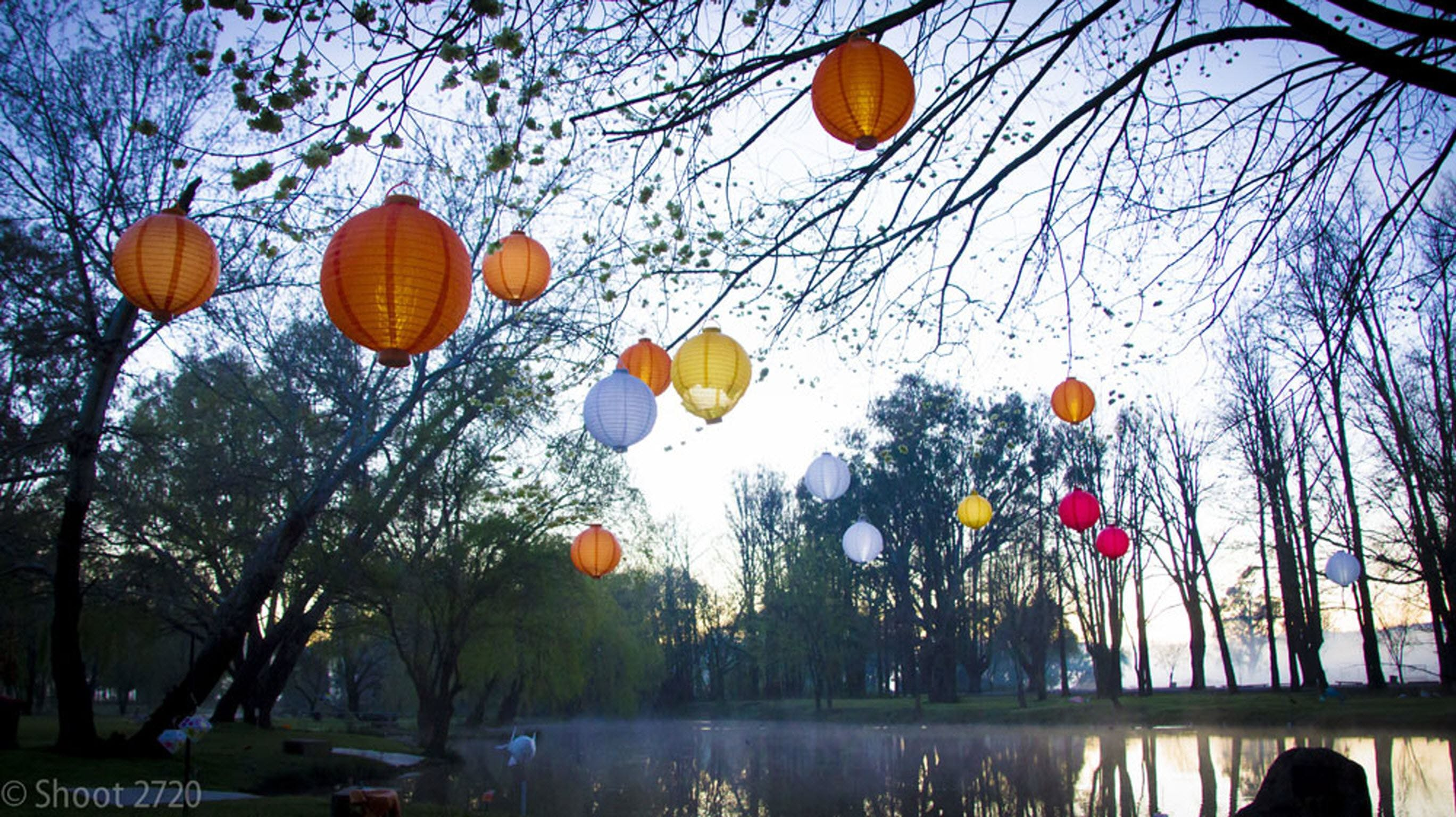 Lanterns on the Lagoon - New South Wales Tourism