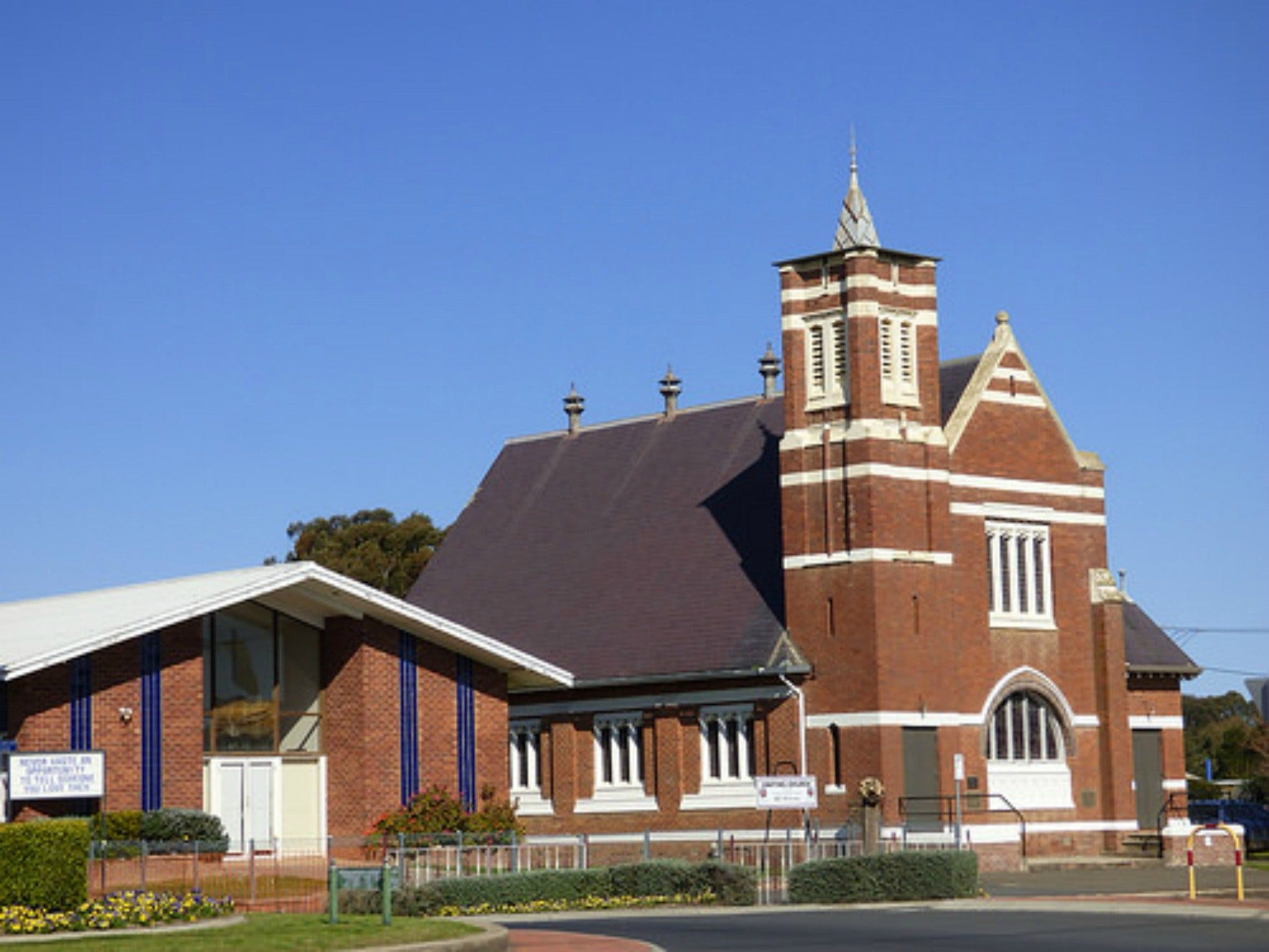 Uniting Church Monthly Markets - New South Wales Tourism