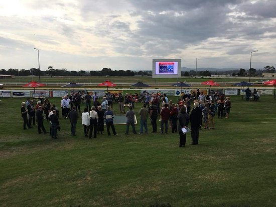 Moe Racing Club - New South Wales Tourism