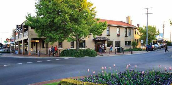 McCartin's Hotel Bistro - New South Wales Tourism