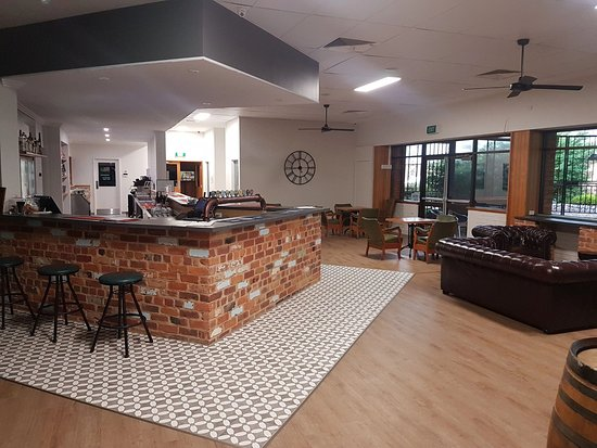 West Peak Hotel - New South Wales Tourism