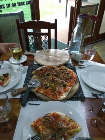 Eildon Woodfire Pizza - New South Wales Tourism