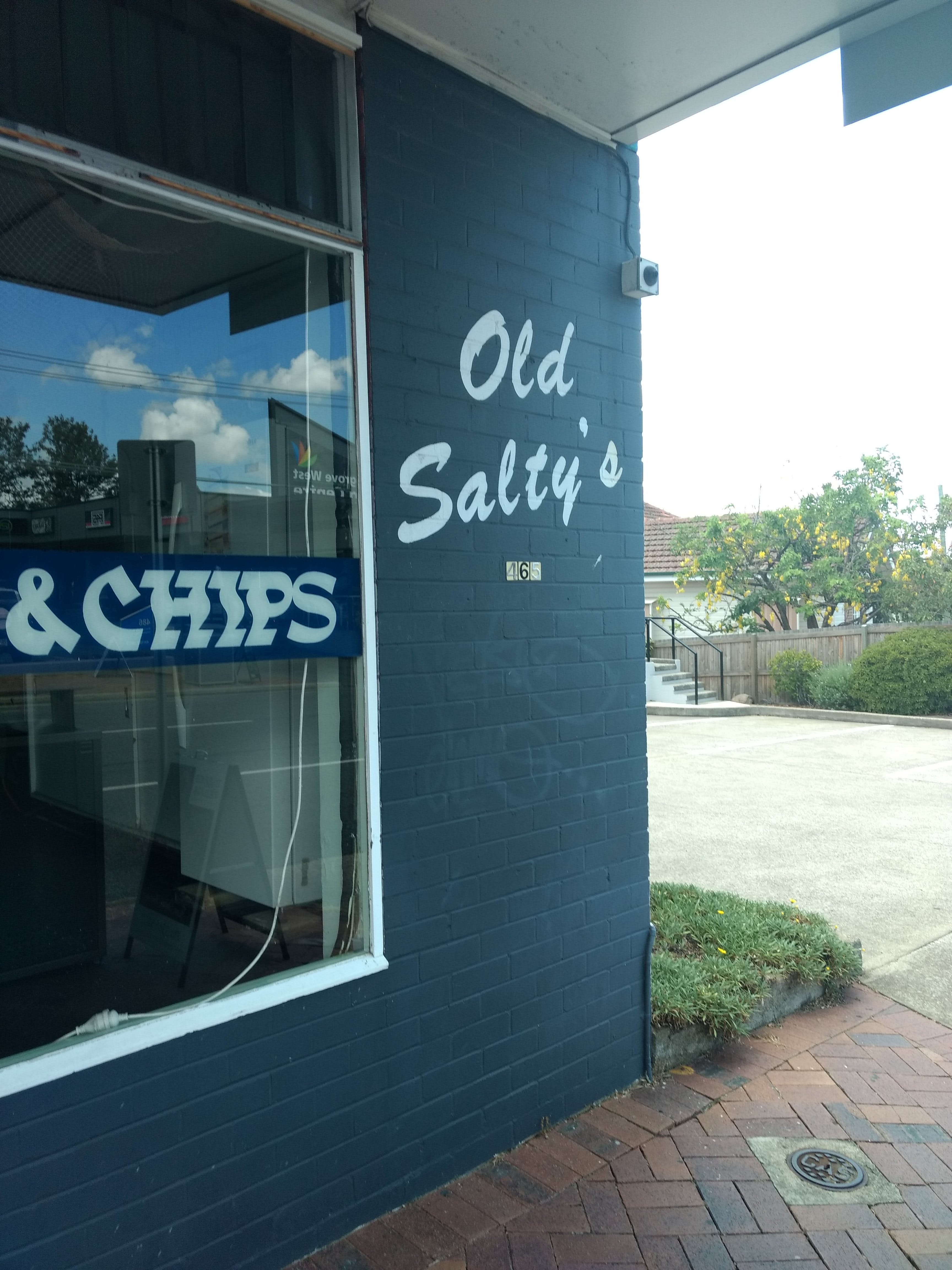 Old Salty's Seafood - New South Wales Tourism