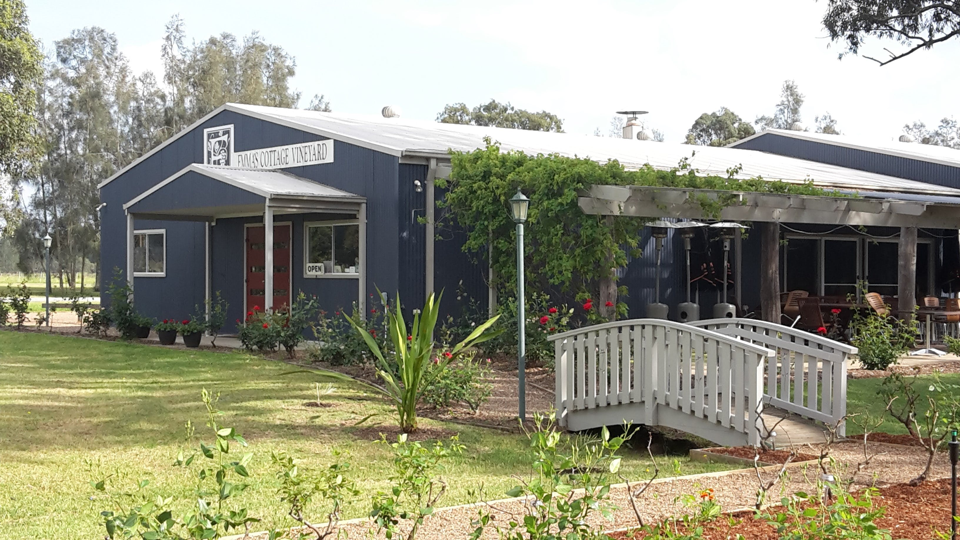 Emma's Cottage Vineyard - New South Wales Tourism