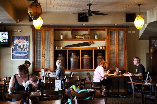 Oxenford Tavern - New South Wales Tourism