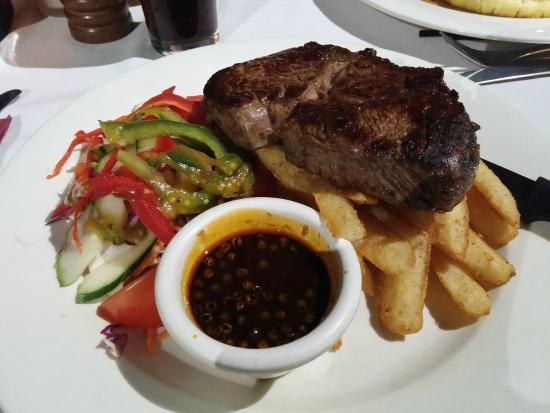 Desert Oaks Bistro - New South Wales Tourism