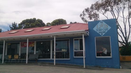 THE Lab Surf Cafe Bakery - New South Wales Tourism