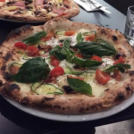 Pizzeria Violetta - New South Wales Tourism