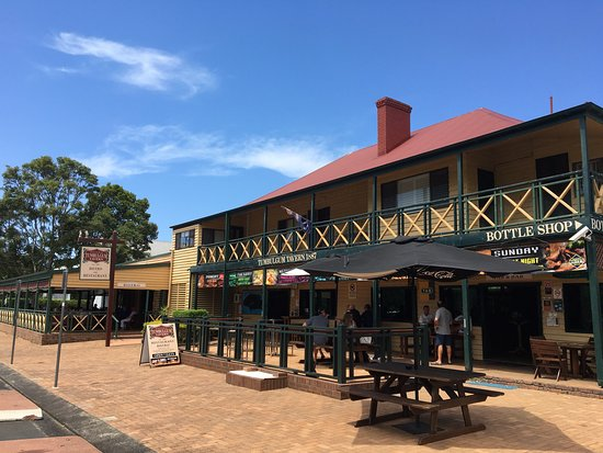 Tumbulgum Tavern - New South Wales Tourism
