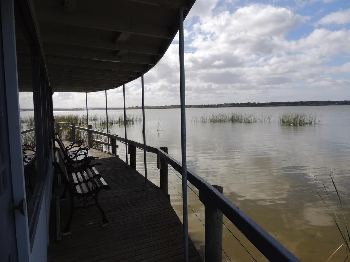PS Federal Retreat Paddle Steamer Goolwa - New South Wales Tourism