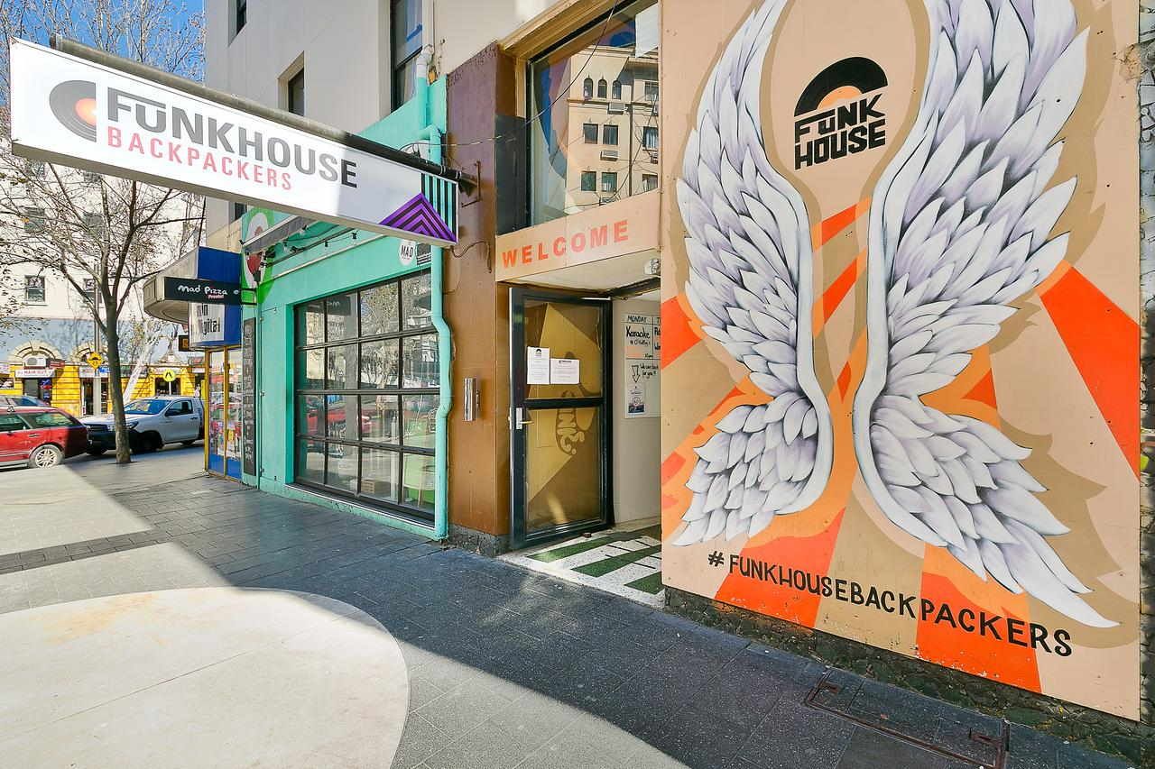 Funk House Backpackers - New South Wales Tourism