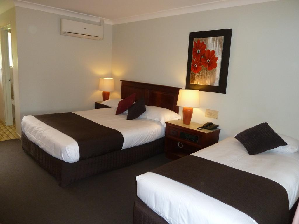 McNevins Warwick Motel - New South Wales Tourism