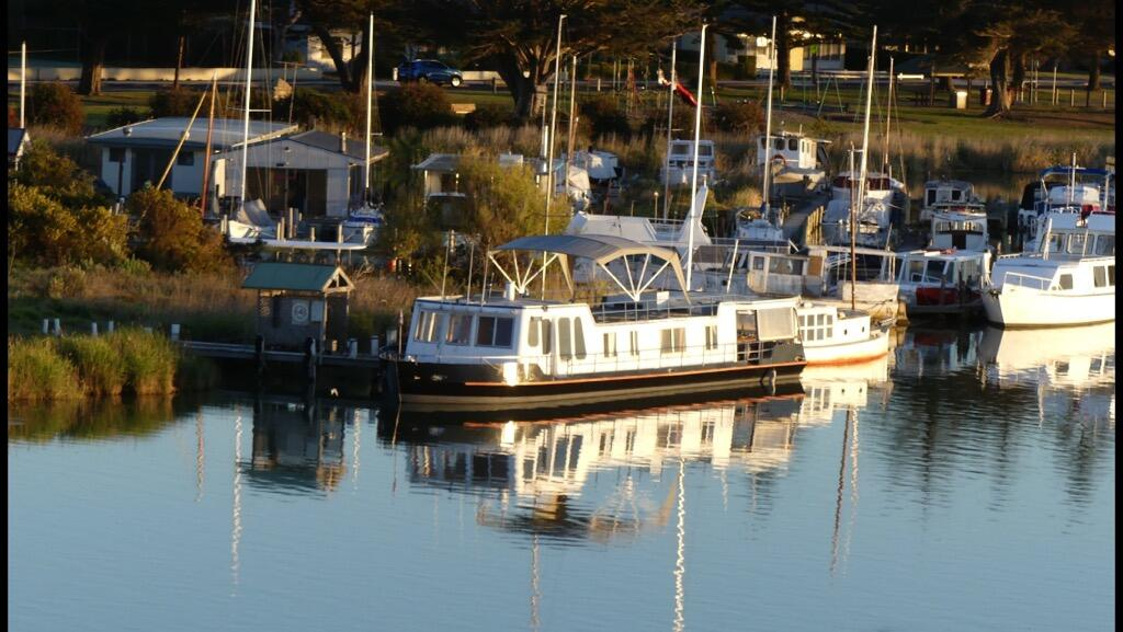 Swamp Fox luxury 2BR Dutch Barge - New South Wales Tourism
