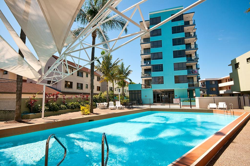 Aqualine Apartments On The Broadwater - New South Wales Tourism