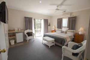 Batemans Bay Manor - Bed and Breakfast - New South Wales Tourism